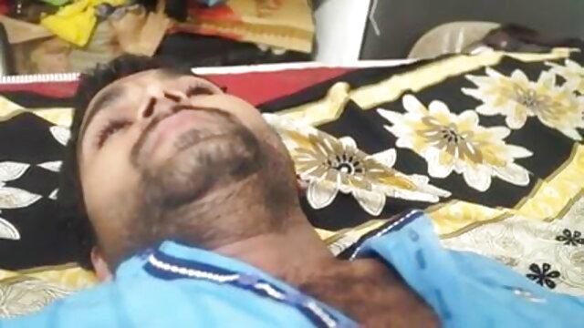 કાકી ઇન્ડિયન બીપી સેક્સ seduces પતિ