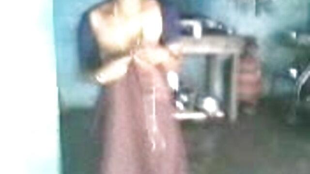 સંતોષ કાળા સ્કૂલ ગર્લ સેક્સ વાળ વાળી છોકરી બેડ પર પહોળાઈ