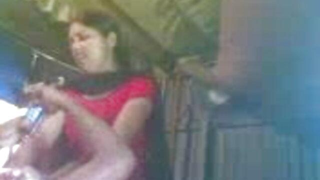 Suck શૌચાલય એક ફુલ સેક્સ વીડિયો પુખ્ત મહિલા