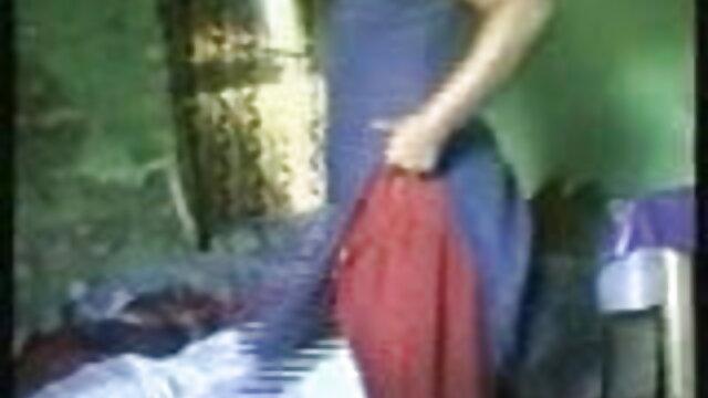ખુશ એક લેસ્બિયન કેજ માંથી સેક્સ વિડીયો
